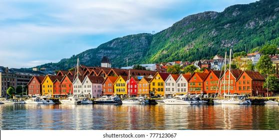 Bergen, Noruega. Vista de edificios históricos en Bryggen- Hanseatic Wharf en Bergen, Noruega. UNESCO sitio de Patrimonio Mundial