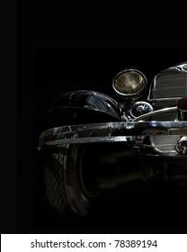 vintage auto op een zwarte achtergrond