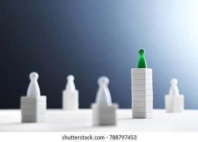 Concepto de jerarquía, poder, gestión y liderazgo. Siendo único y el mejor. Dominio, victoria y desafío ganador. Vence a los competidores. Uno diferente en un nivel mejor y más alto. Espacio de copia negativo.