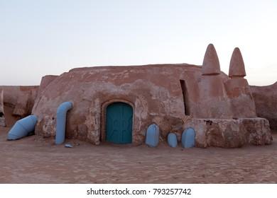 サハラ砂漠の惑星タトゥイーンの映画スターウォーズの映画の風景