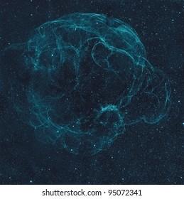 Sharpless2-240, también conocido como Simeis 147, es un enorme remanente de supernova en la Constelación de Tauro. Esto se hizo con un filtro de hidrógeno alfa y colorante azul artificial.