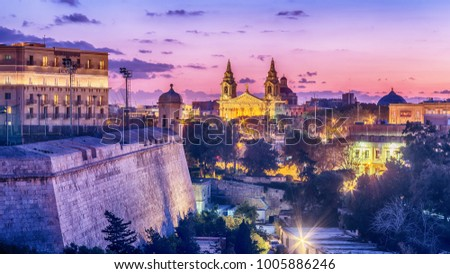 Valletta, Malta: aerial view from city walls at sunset