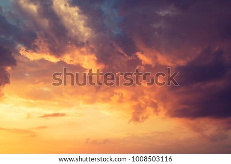 beautiful cloudy sky Royalty-Free Stock Photo #1008503116