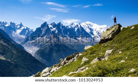 Roaming around the famous and gorgeous Tour du Mont Blanc for 10 days was a great experience. The views are phenomenal and the people you meet along the journey are just great. #1013024953