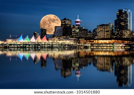 Vancouver Night Full Moon from Stanley Park