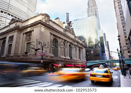 Grand Central along 42nd Street with traffic, New York City #102953573