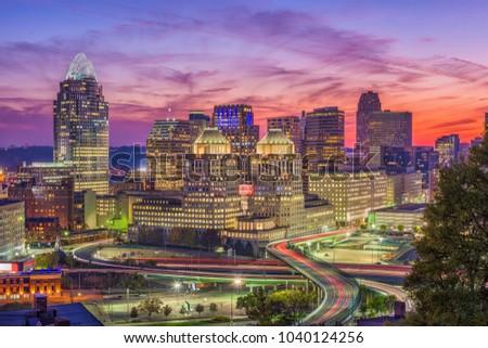 Cincinnati, Ohio, USA skyline after sunset.