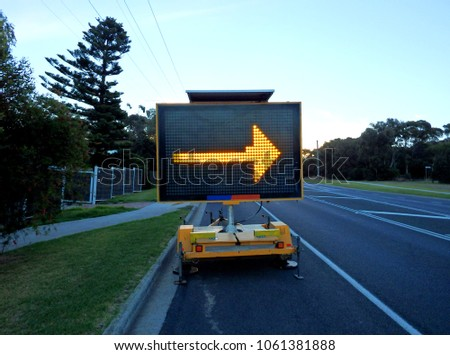 Portable electronic traffic sign sideway arrow pointing right