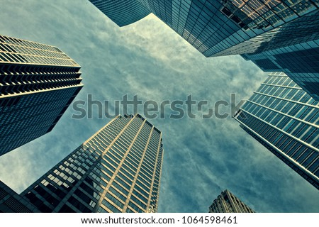 Below view on the skyscrappers in Chicago