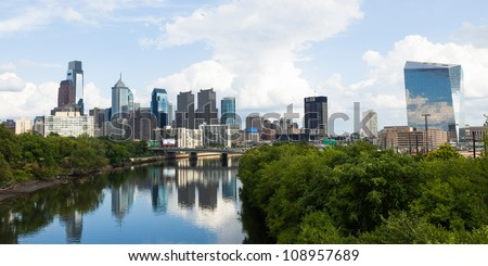 Panoramic skyline view of Philadelphia, Pennsylvania  - USA