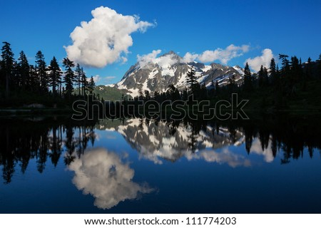 Picture Lake on  Mount Shuksan,Washington