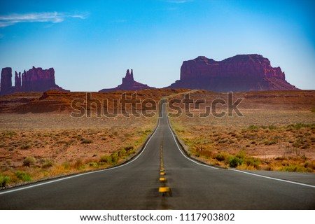 Monument Valley Road/Views Royalty-Free Stock Photo #1117903802