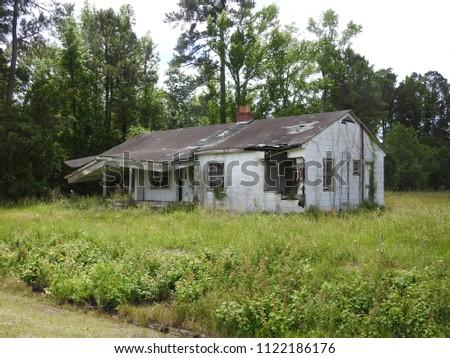 Abandoned house in Williamston, South Carolina #1122186176