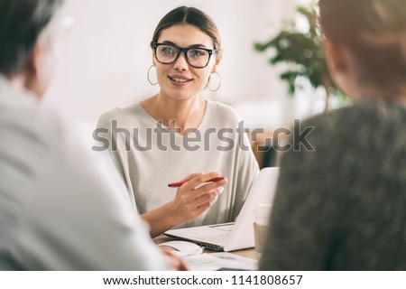 Business people discussion advisor concept Royalty-Free Stock Photo #1141808657