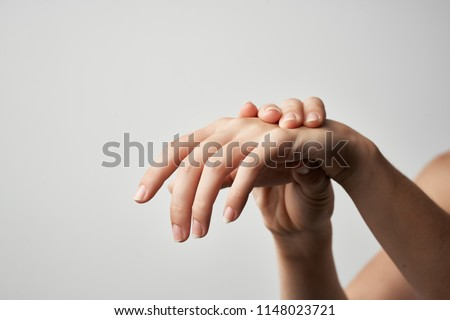 Pain in the hand is a medicine injury.                               #1148023721