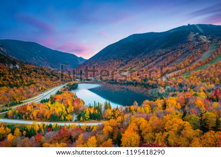 Fall colours in Franconia Notch State Park | White Mountain National Forest, New Hampshire, USA