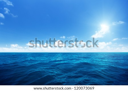 perfect sky and water of indian ocean #120073069
