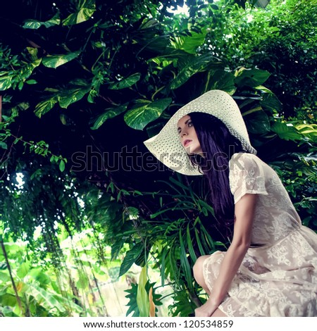 fashion lady in the tropical jungle #120534859