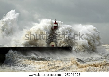 Entry of Douro River harbor on the first big storm of the year; Wind gusts reach 140/150 Km; photo taken on Jan. 19, 2013.