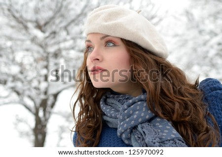 pretty woman portrait outdoor in winter #125970092