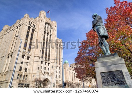 Detroit Masonic Temple and Statue of Robert Burns. The building contains a variety of public spaces including three theaters, three ballrooms and banquet halls in Detroit , USA