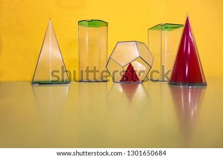 geometric volumes or geometric figures #1301650684