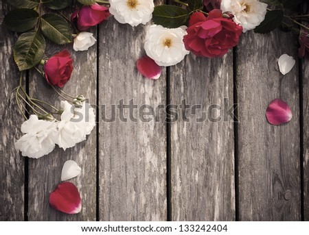 roses on wooden background #133242404