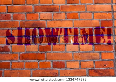 Text sign showing Showtime. Conceptual photo Time a Play Film Concert Perforanalysisce Event is scheduled to start Brick Wall art like Graffiti motivational call written on the wall. #1334749895