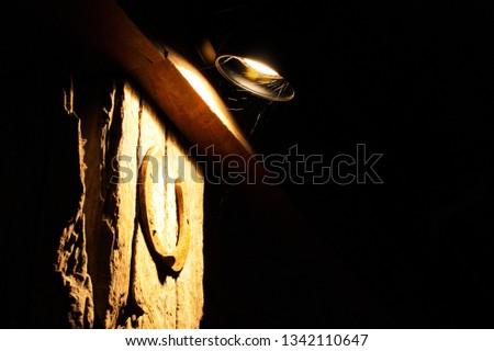 light spotting to wood colunm  #1342110647