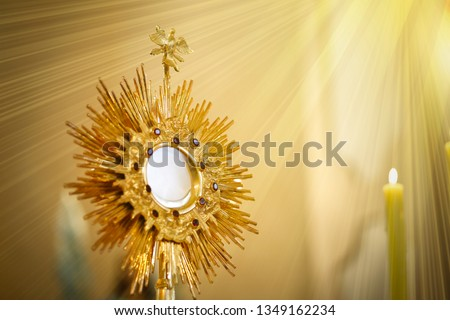 Ostensory for worship at a Catholic church ceremony - Adoration to the Blessed Sacrament - Catholic Church - Eucharistic Holy Hour - Corpus Christi #1349162234