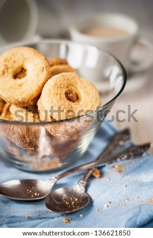 Shortcake in the circle form in glass bowl on a blue napkin #136621850