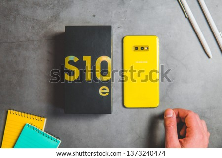 One of the most powerful phones from Samsung company – Samsung Galaxy S10 in version e (S10e).  #1373240474
