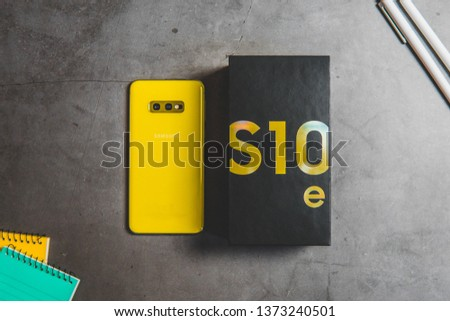 One of the most powerful phones from Samsung company – Samsung Galaxy S10 in version e (S10e).  #1373240501