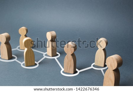 Chain of people figurines connected by white lines. Cooperation and interaction between people and employees. Dissemination of information in society, rumors. Communication. social contacts #1422676346