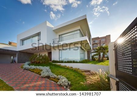 Big modern house #143981707