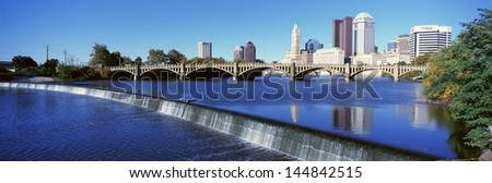 Scioto River with waterfall and Columbus in Ohio