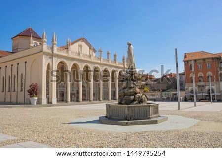 Vista su piazza Duomo, Biella, Piemonte #1449795254
