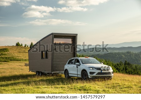 Mobile tiny house. Great for outdoor experiences and wildlife. Lots of mobility and pure adventure. No need for special authorizations, only a decent car to pull this tiny house and off you go. #1457579297