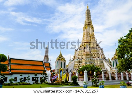Bangkok, Thailand - September,18 , 2018 -  Wat Arun temple is in Buddhism and is an important landmark, famous for foreign tourists , Bangkok ,Thailand  #1476315257