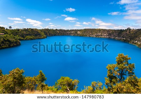 The incredible Blue Lake at Mt Gambier, South Australia #147980783