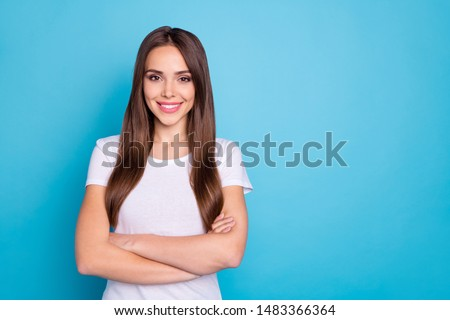 Portrait of her she nice-looking attractive lovely groomed cheerful cheery straight-haired lady folded arms weekend isolated over bright vivid shine blue green teal turquoise background #1483366364