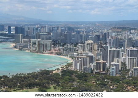 Amazing photos from Hawaii, Honolulu. Great city views and an awesome siting of a helicopter.