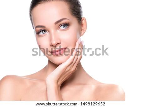 Beauty face woman close up healthy skin naturel makeup #1498129652