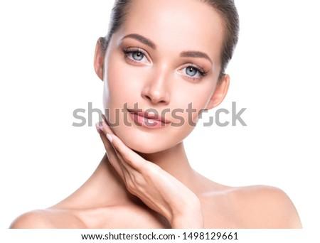 Beauty face woman close up healthy skin naturel makeup #1498129661