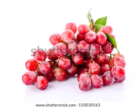 Red grape with leaf isolated on white background #150030563