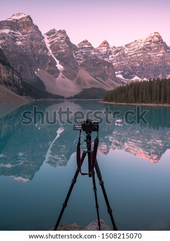 Photographing Moraine Lake in the valley of 10 peaks