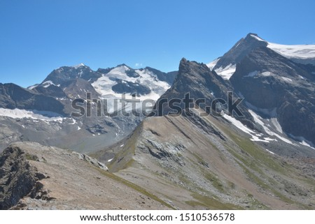 magnificent hike towards the Oille du Midi and its panorama on the Pic Régaud and the Albaron in the heart of the Alps in the Vanoise massif