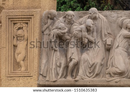 On the streets in Spain in public places. Plaster, marble and bronze sculptures and statues, decoration of urban architecture. #1510635383
