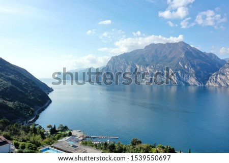 Lake Garda is the largest lake in Italy.  #1539550697