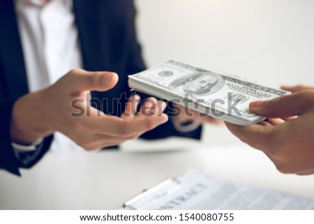 Home sales brokers and real estate investors are exchanging with investors being filing cash at the agent's hand. #1540080755